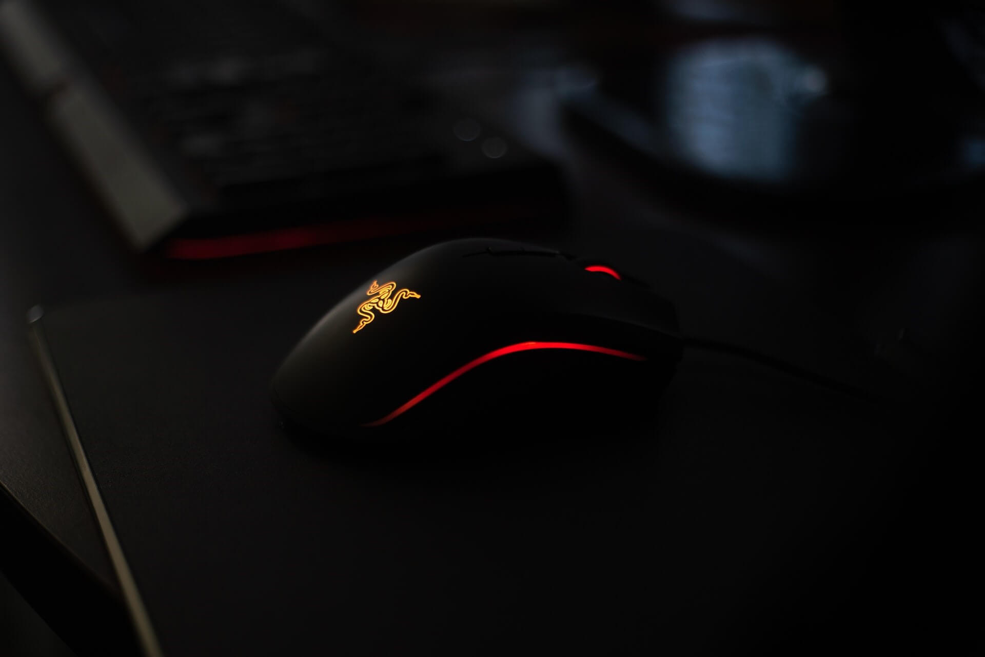 The Best Silent Click Gaming Mouse – [Top 7 Picks and Buying Guide]