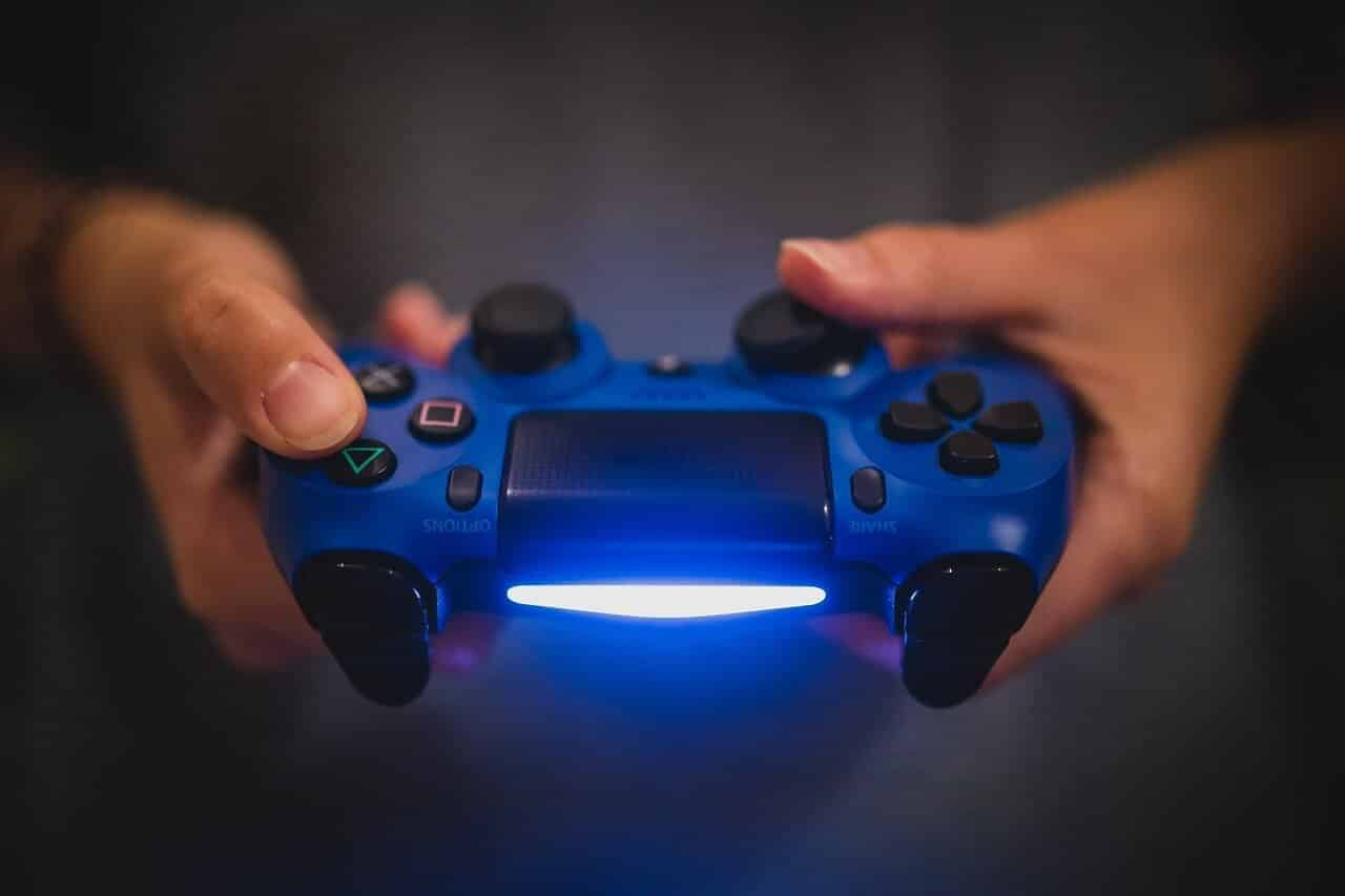 How to Connect a Wired and Wireless PS4 Controller to Laptop