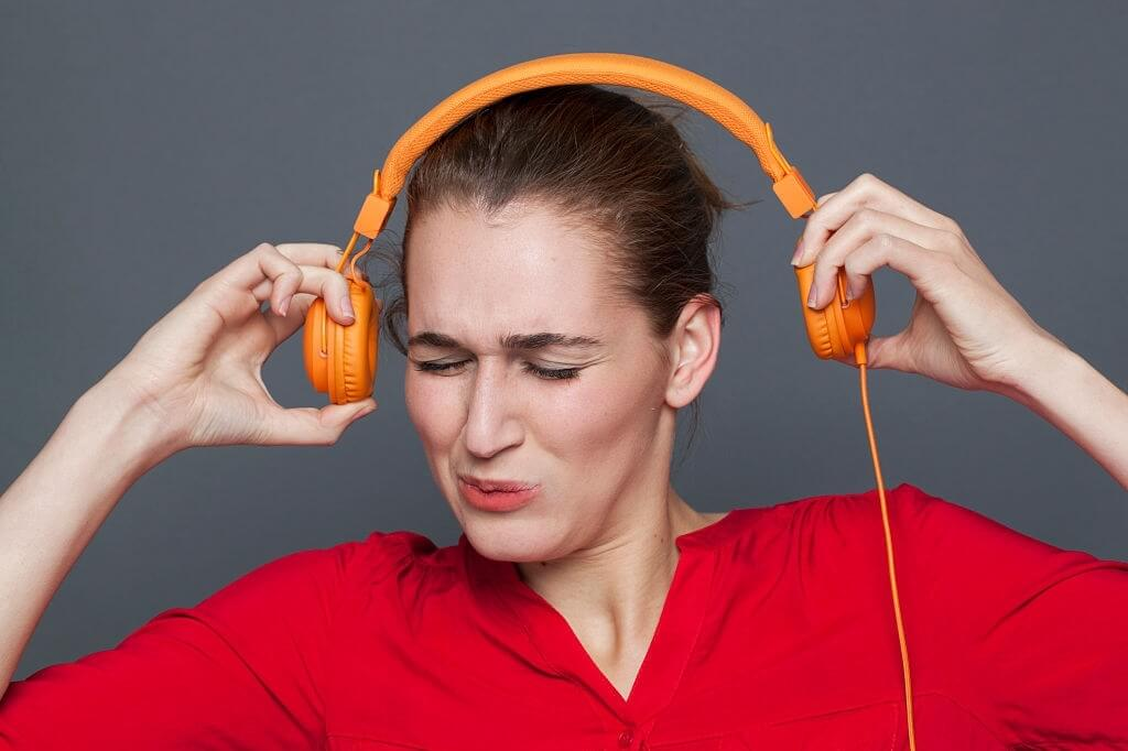 Headphones Hurting Ears? - Remedy For Ear Pain Due to Earphones, Headsets, and Earbuds
