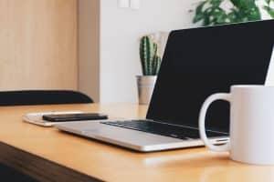 Where is the Microphone on MacBook Air, Mac Desktop, & MacBook Pro Located?