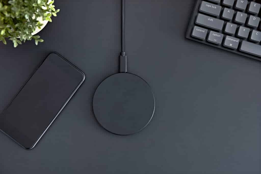 Does iPhone XR, SE, 11, 8, 7 Have Wireless Charging?